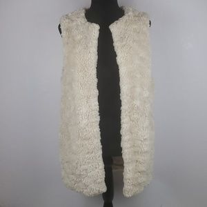 FOREVER 21 CONTEMPORARY Fuzzy Cream Lined Vest